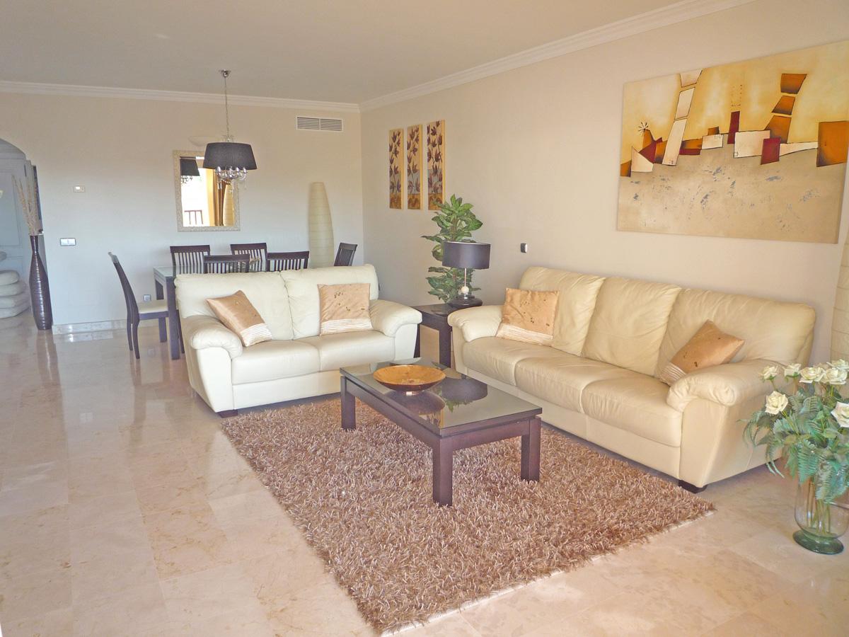 V008 – Marques de Atalaya – 2 Bedroom Apartment