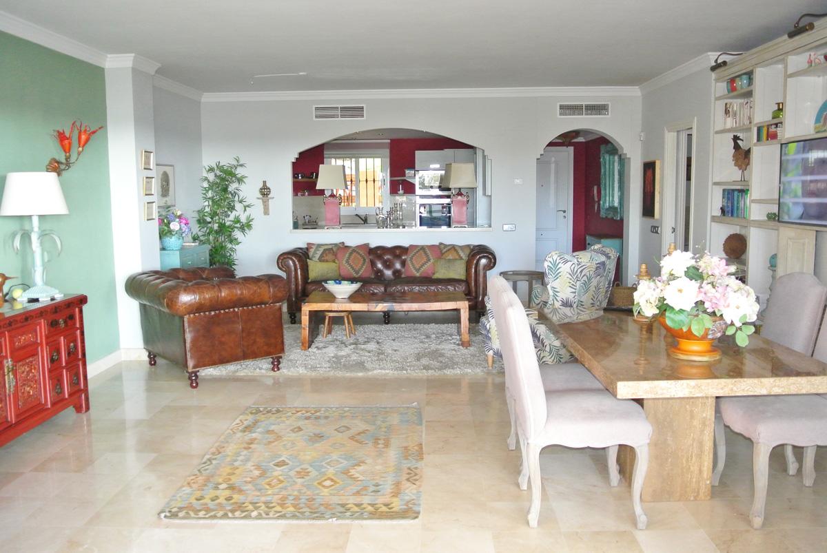 B034 – Marques de Atalaya – 2 Bedroom Apartment