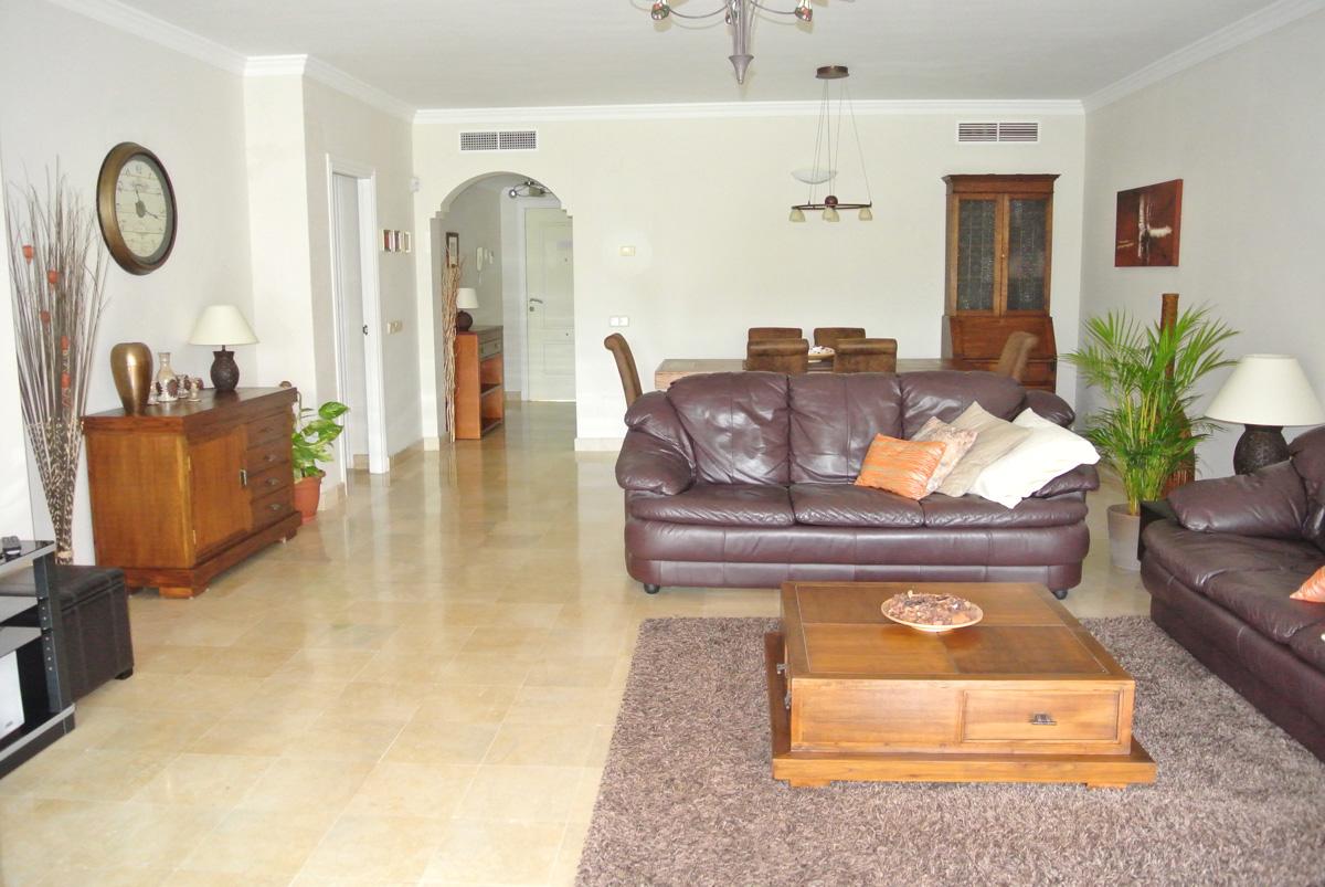 B010 – Marques de Atalaya – 2 Bedroom Apartment